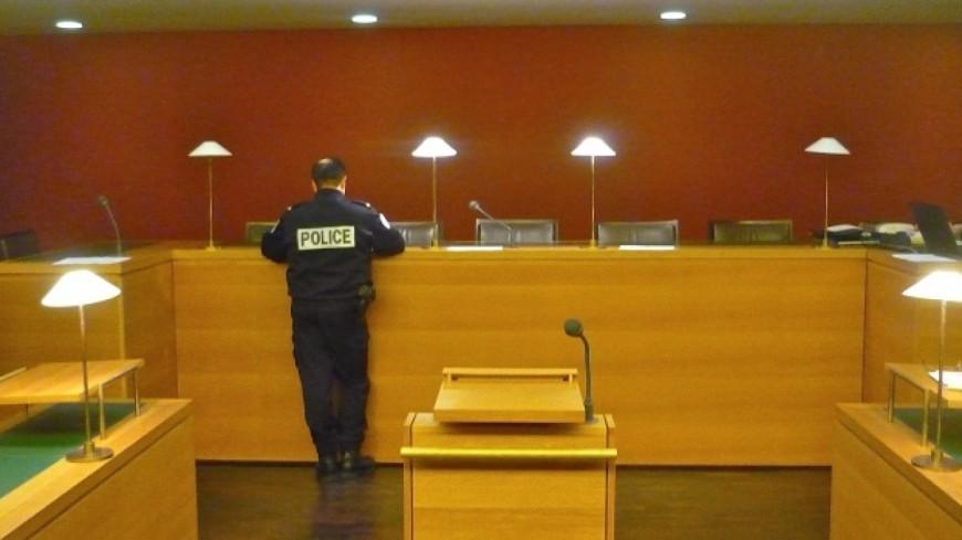Violences au Stade des Alpes: deux hommes condamnés