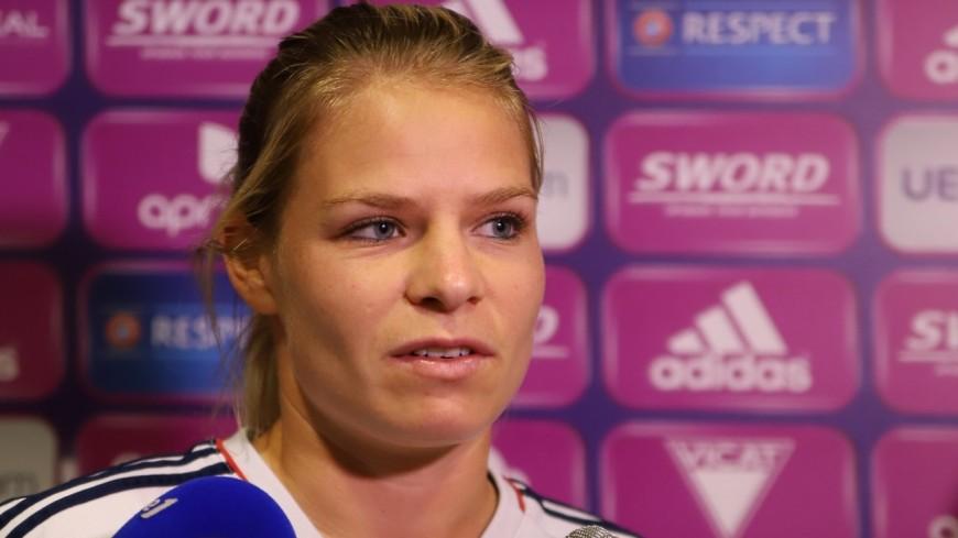 Foot : à Grenoble, l'équipe de France féminine s'impose largement contre le Cameroun