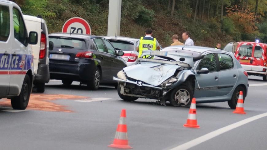 Accident entre une voiture et un camion-citerne sur l'A49