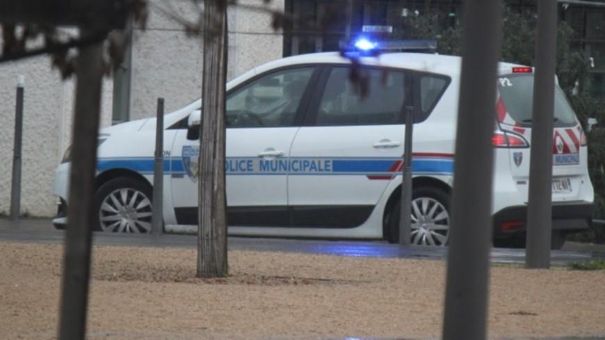 Saint-Martin-le-Vinoux : un adolescent blessé d'un coup de couteau