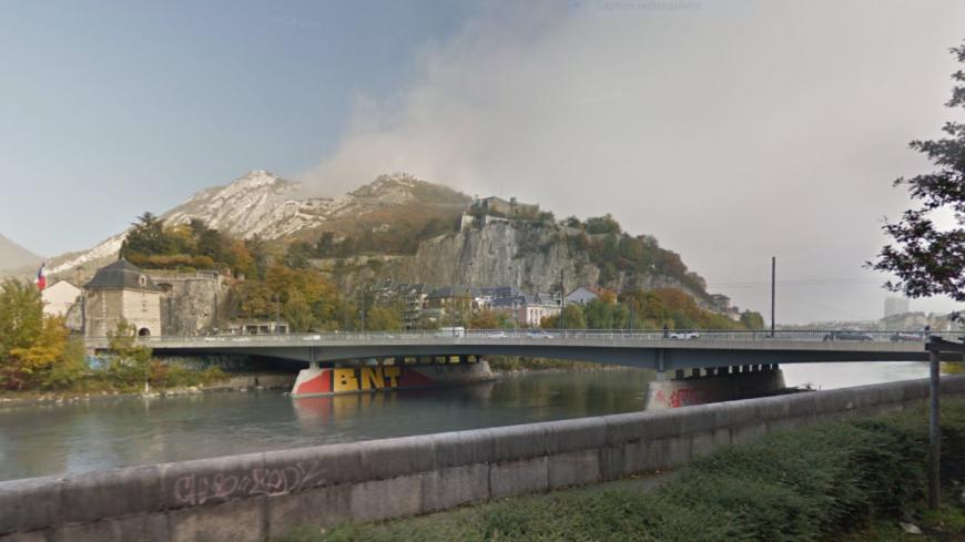 Grenoble : le pont de la porte de France renommé Kofi Annan