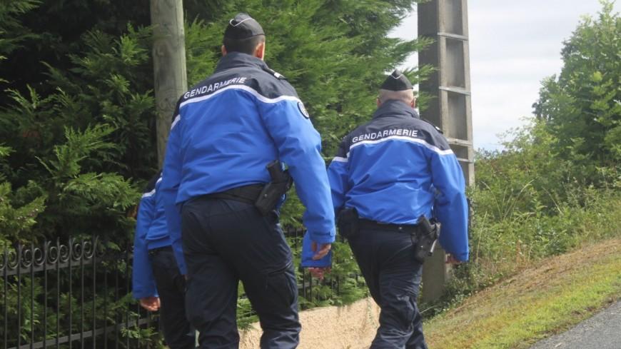 Un corps enroulé dans une bâche découvert en Isère