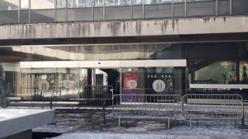 Incendie de la mairie de Grenoble : la thèse d'un accident plébiscité par la police