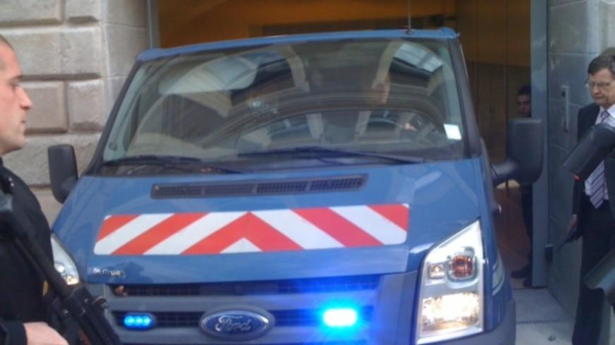 Braquage avorté d'un fourgon blindé en Suisse : les huit suspects mis en examen et écroués