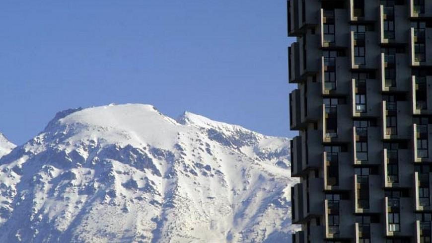 Une skieuse décède à l'hôpital de Grenoble après une chute en Savoie