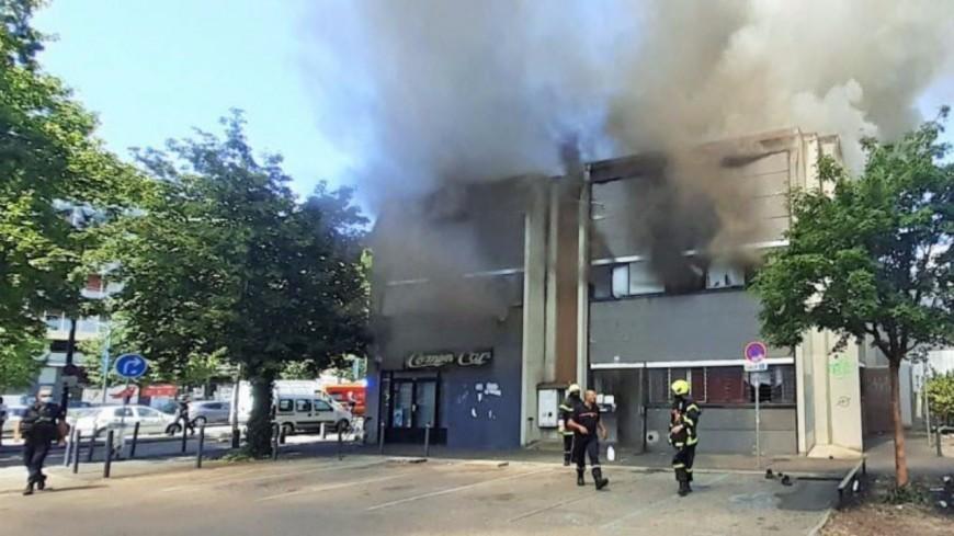 Grenoble : l'incendie d'un squat laisse des demandeurs d'asile sans hébergement