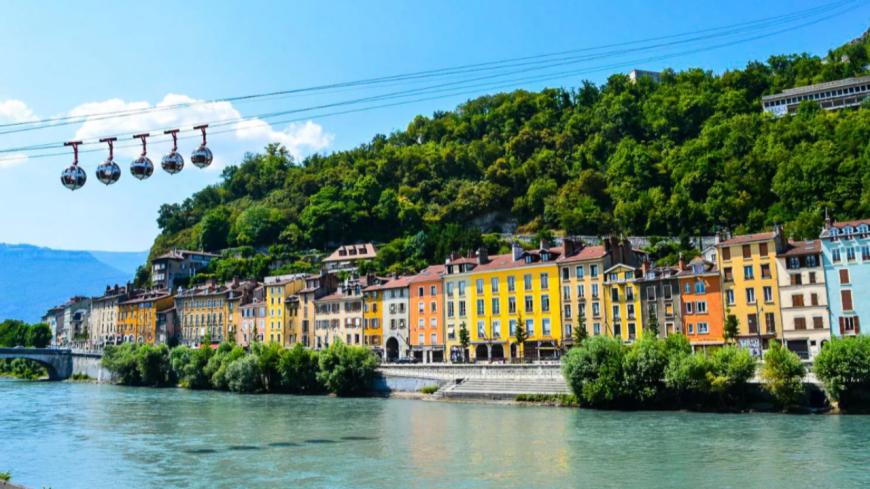 Ce week-end, de nombreux jeunes étaient encore sur les quais avec de l'alcool à Grenoble