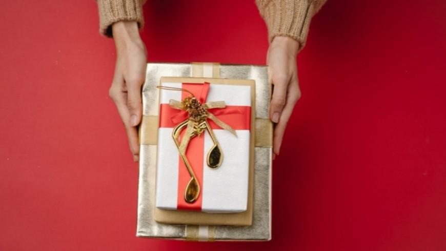 Insolite - Un homme sort avec 35 femmes pour avoir plus de cadeaux d'anniversaire !