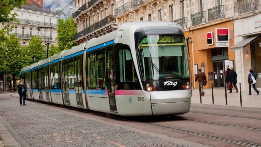 Grenoble - Un tramway violemment ciblé par un projectile