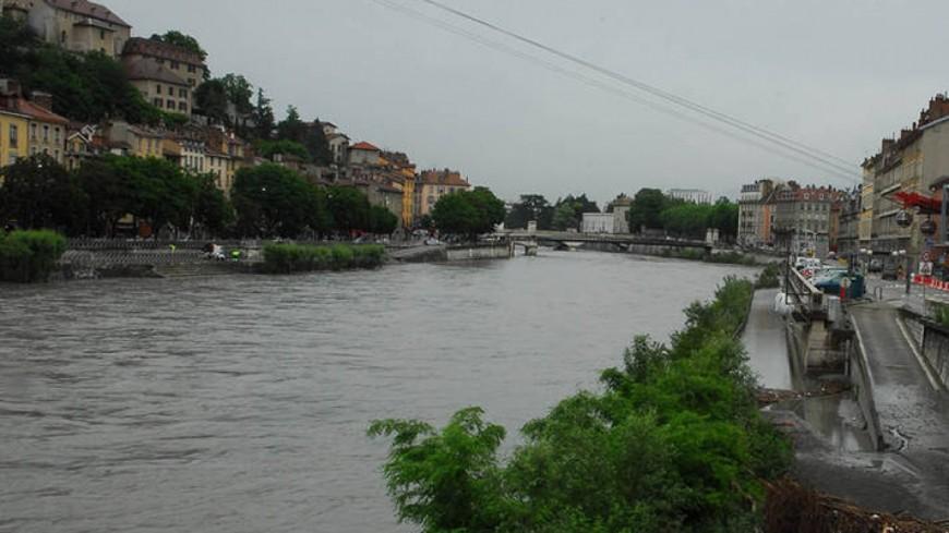 La voie sur berge de Grenoble fermée à la circulation