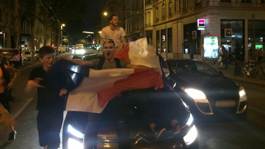 Coupe du Monde : la fête à Grenoble... puis les débordements