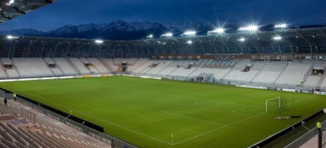 Le trophée de la Coupe du monde de football féminine présenté ce mardi à Grenoble
