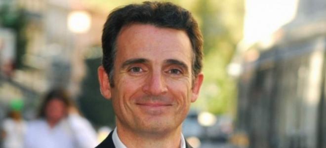 Grenoble : ils utilisent le portable du maire pour des Facebook live