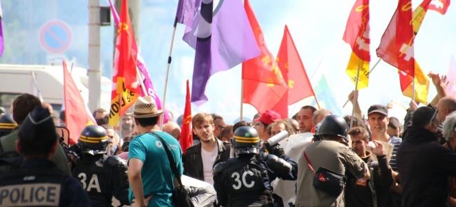 """Nouvelle manifestation à Grenoble contre la """"régression sociale"""""""